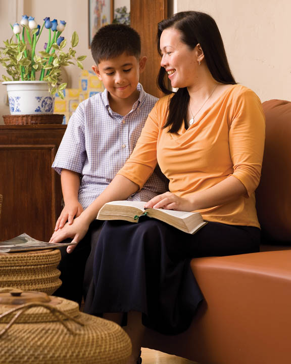 Mormon Family Teach Scriptures